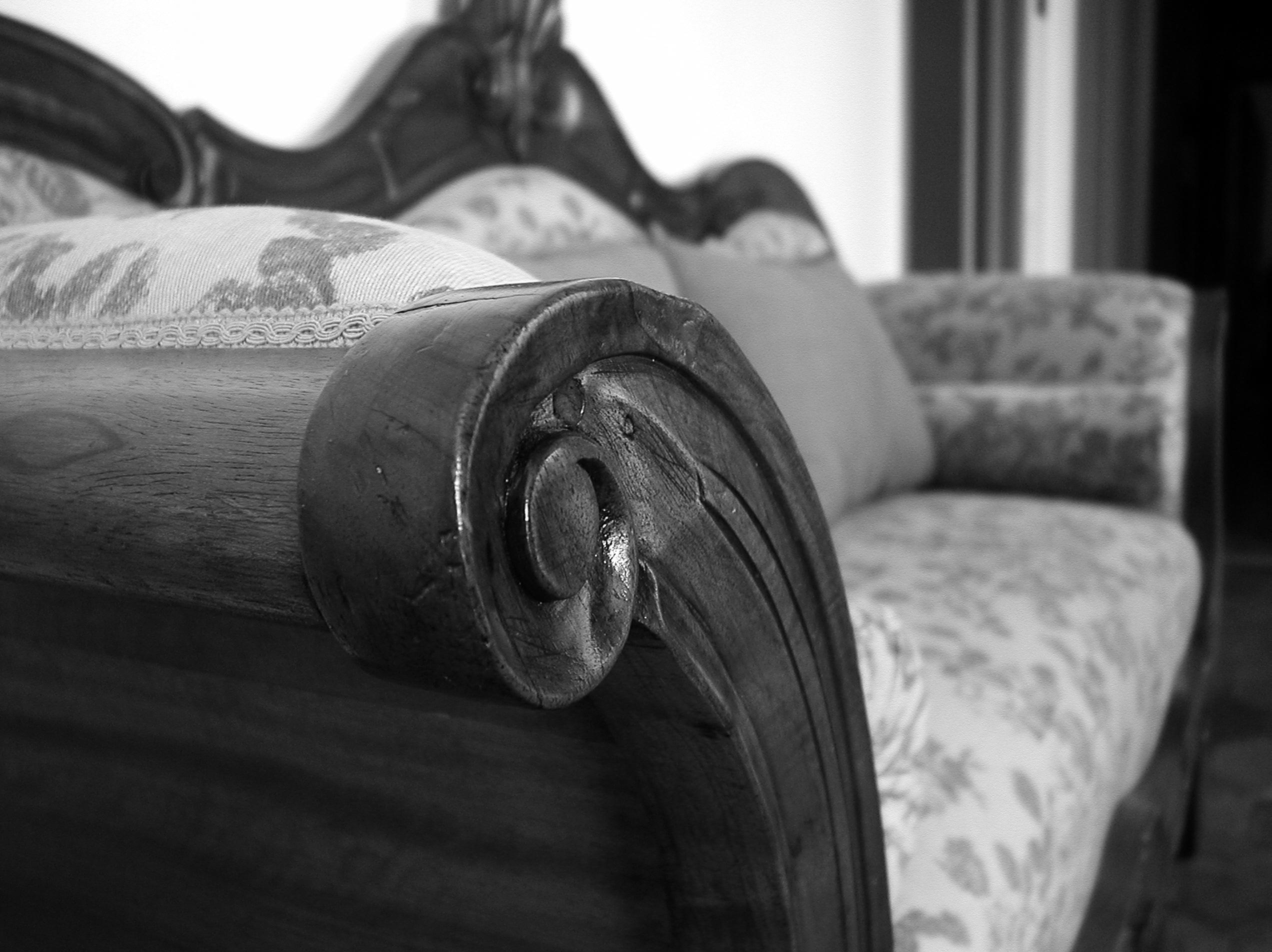 Il divano restaurato