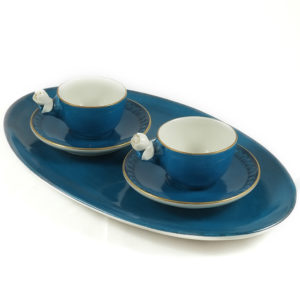 Vassoio e tazzine in porcellana Villari